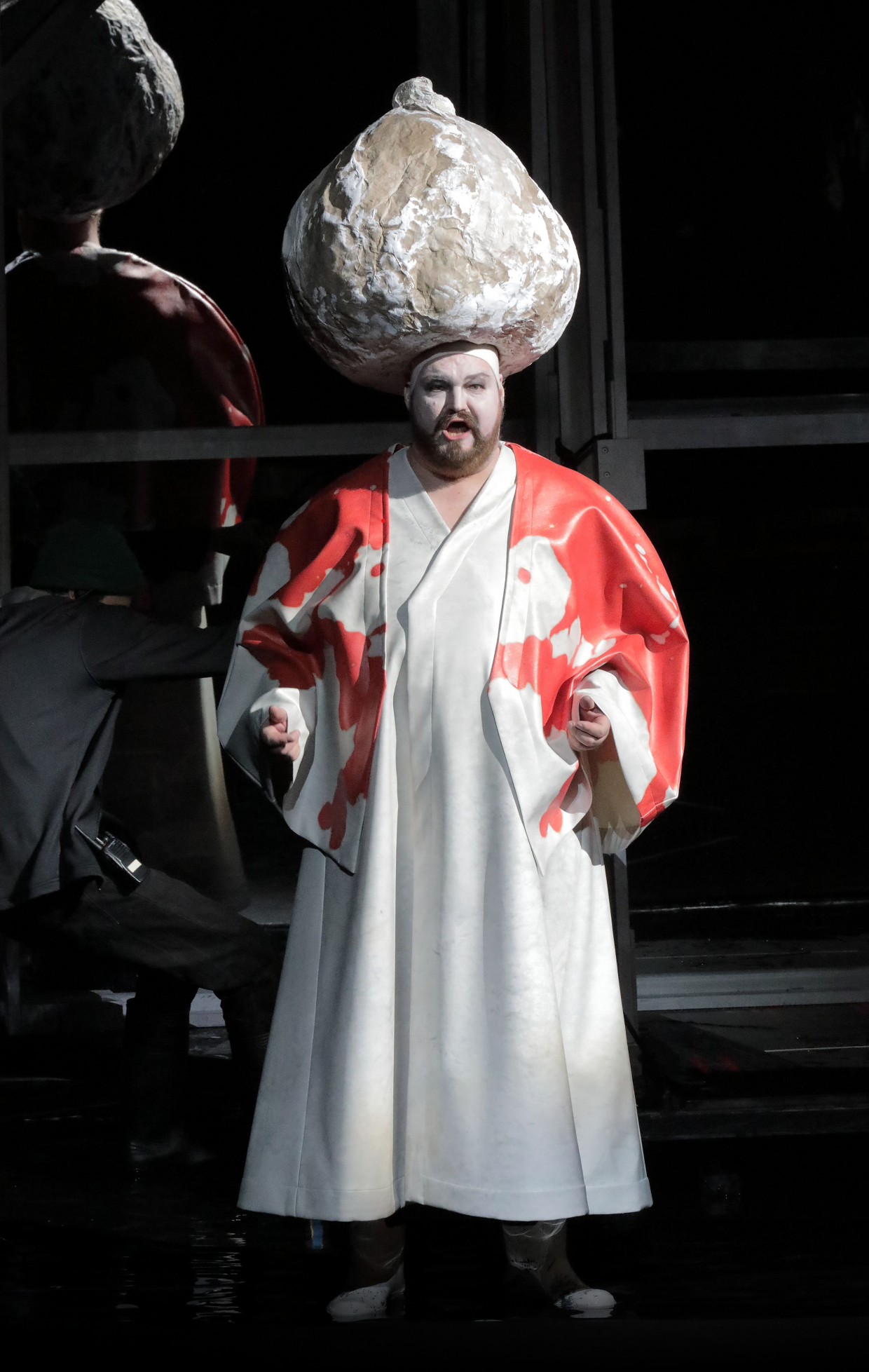 Sultan Soliman in KARL V. - Bayer. Staatsoper München 2019. Copyright Wilfried Hösl.